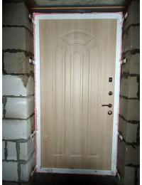 Входная металлическая дверь 05-47